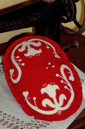 Picture of Lace Scroll Pin Cushion Pattern