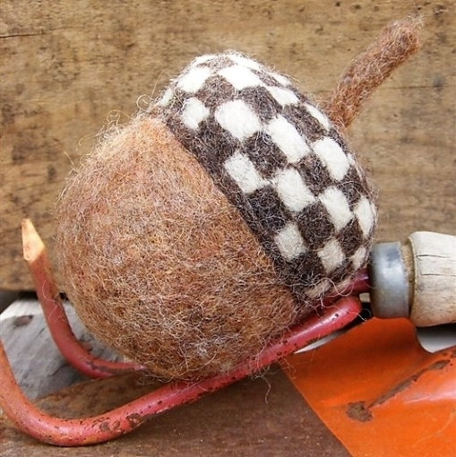 Picture of HUGE Acorn Needle Felted Pattern