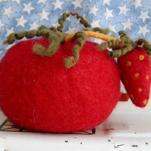 Picture of Traditional Tomato Pin Cushion