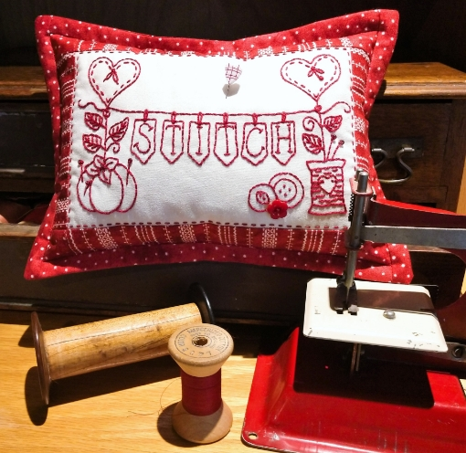 Picture of Redwork Pin Cushion Club - Hand Embroidery - Pattern 04 - 1518