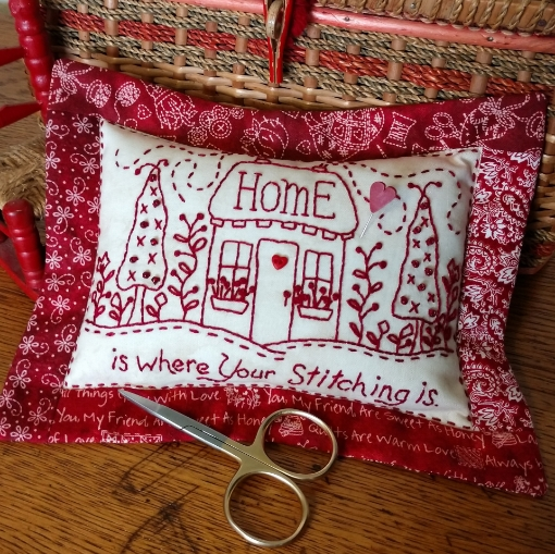Picture of Redwork Pin Cushion Club - Machine Embroidery - Pattern 06 - 1520