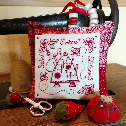Picture of Redwork Pin Cushion Club - Machine Embroidery - Pattern 07 - 1521