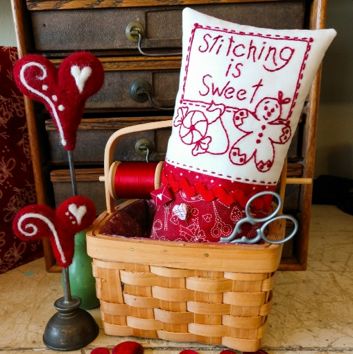 Picture of Redwork Pin Cushion Club - Machine Embroidery - Pattern 10 - 1524-ME