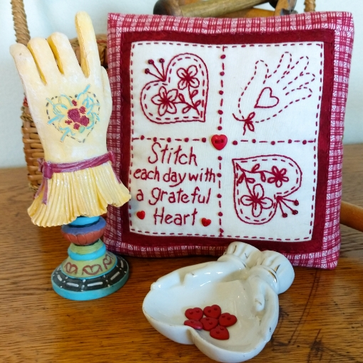Picture of Stitch With A Grateful Heart - Machine Embroidery Pattern