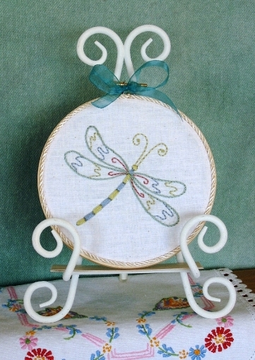 Picture of Elegant Springtime Dragonfly - Hand Embroidery Pattern