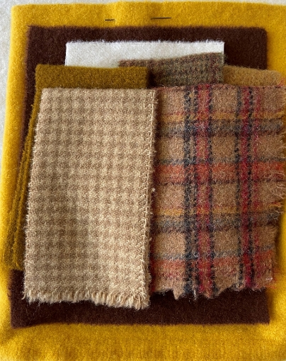 Bee Hive Sampler Wool Pin Cushion - Wool Kit