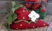 BIG FAT Strawberry Pin Cushion Set - Wool Applique Pattern