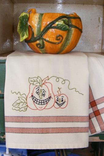 Pumpkin Pair Tea Towels - Hand Embroidery Pattern